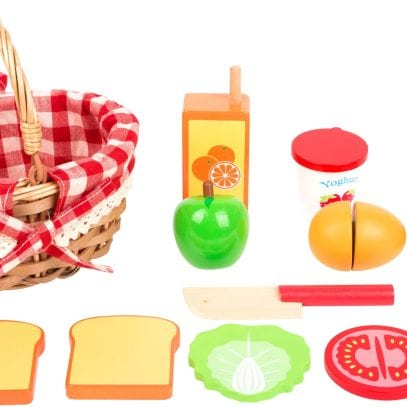 picnic-basket-with-cuttable-fruits-3
