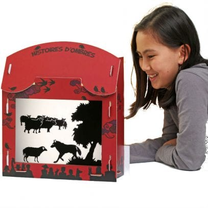 silhouette-theatre-tales-of-the-wolves-with-child_1.jpg