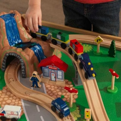 Kidkraft-Waterfall-Mountain-Trainset-and-Table-17