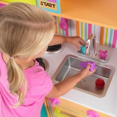 Kidkraft-deluxe-Big-and-Bright-Kitchen-2