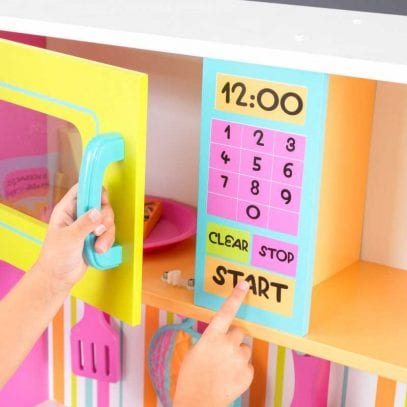 Kidkraft-deluxe-Big-and-Bright-Kitchen-3