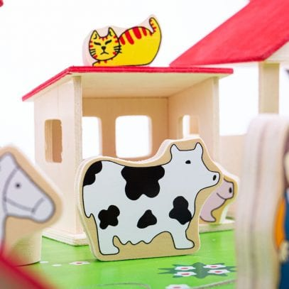 Wooden-Play-Farm-with-Accessories-2