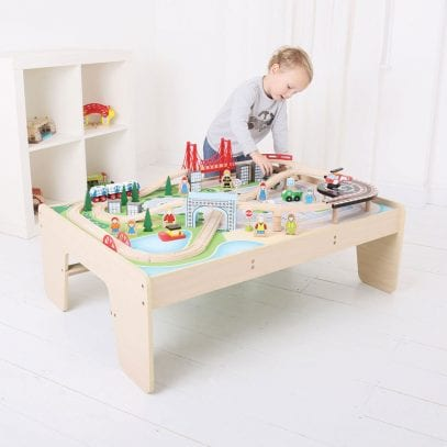 Wooden-Trainset-City-Trainset-and-Table-1