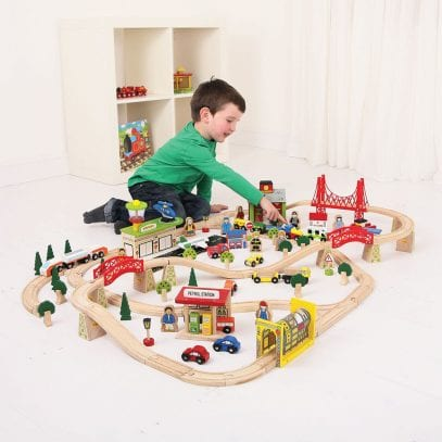 Wooden-Trainset-Transport-1